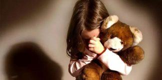Orrore a Salerno, bambina di 10 anni violentata e malnutrita: 4 arresti