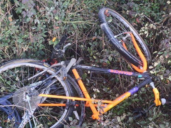 Teverola, migranti in bici travolti e uccisi: fermato il pirata della strada