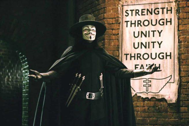 """Anticipazioni tv, i film di venerdì 8 febbraio: """"V per Vendetta"""""""