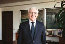 """Il Presidente, Giovanni De Gennaro: """"Il Premio è un riconoscimento per il lavoro fatto.Leonardo ha rafforzato le politiche di governance aziendale per una maggiore trasparenza verso l'esterno""""."""