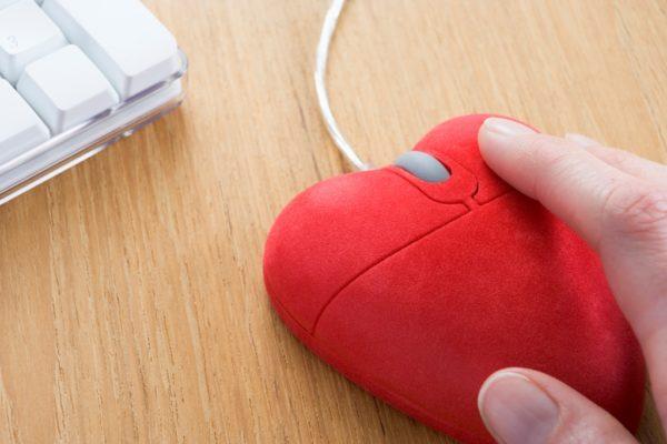 San Valentino: ecco i regali più ricercati. Non solo gioielli ma anche tecnologia
