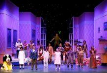 Il musical di 'Peter Pan' al Teatro Augusteo ha conquistato tutto il pubblico