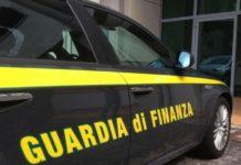 Sperone: la Finanza sequestra 13mila profumi e prodotti per l'igiene contraffatti