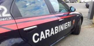 Arpaise, sorpresi a smontare auto rubate in garage: 5 arresti