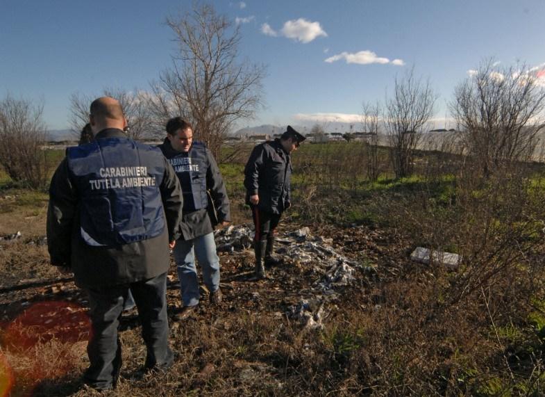Terra dei fuochi, blitz del Noe di Caserta: sequestrati 4mila mc di rifiuti speciali