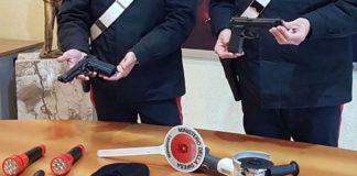 Napoli, Scampia e Rione Traiano: Arrestato 35enne in possesso di una pistola con puntatore laser pronta all'uso