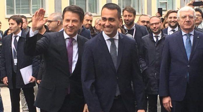 """Pomigliano, Di Maio e Conte: """"Un miliardo per l'aeronautica"""""""