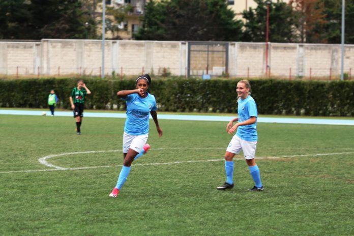 Il Napoli Femminile Carpisa Yamamay vince 5-1 contro la Vapa Virtus Napoli con la doppietta di De Paula.