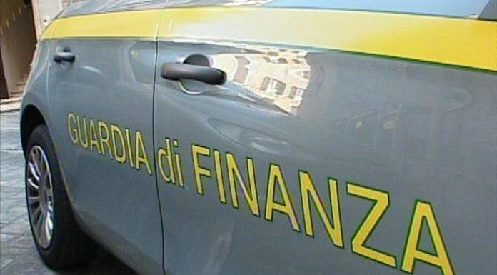 Torre Annunziata, targhe straniere per risparmiare su spese: sequestrate 10 auto