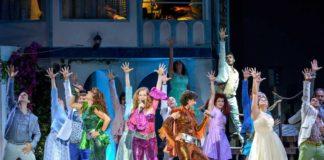Con il musical 'Mamma Mia!' e le canzoni degli Abba si balla al teatro Augusteo