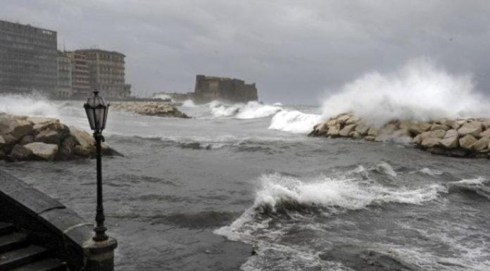 Napoli, domani 12 marzo scuole chiuse per allerta meteo