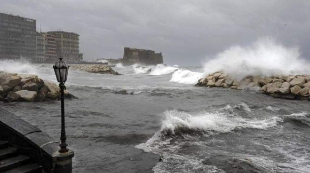 Allerta meteo in Campania per vento forte e mare agitato