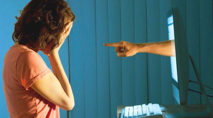 Battipaglia, subisce molestie sul web: la denuncia di una 14enne