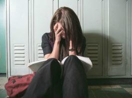 Eboli, molestie sessuali ad alunni: un insegnante di musica condannato a sei anni