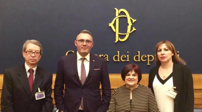 """Nando Misuraca: il cantautore napoletano alla Camera con la Cgil per """"Anime bianche"""""""