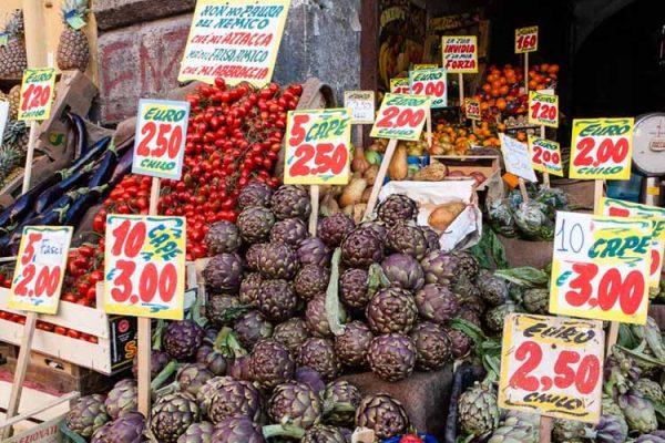 Napoli, Ponticelli: Alimenti senza rispettare le norme igieniche. Ecco i negozi nel mirino dei controlli