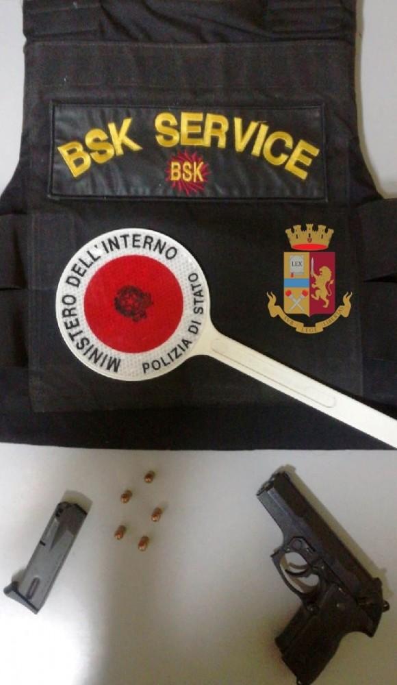 Napoli, Ponticelli: sequestrata una pistola 'Beretta' ed un giubbetto antiproiettile