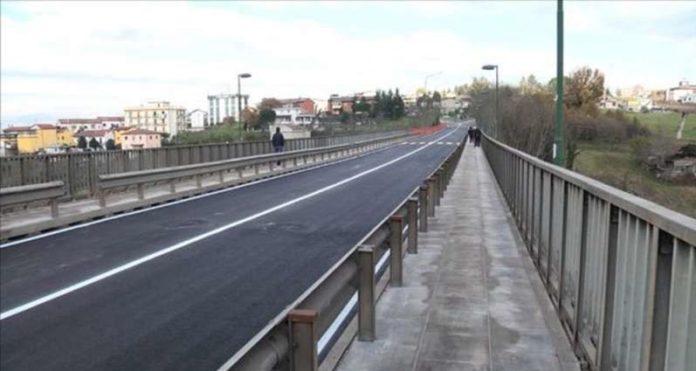 Benevento, prove di carico: ponte San Nicola chiuso al traffico fino alle 17