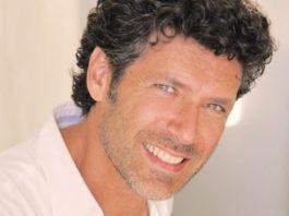 Anticipazioni Un posto al sole: Renato Raimo sarà il professore di Alice