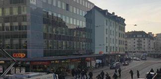 Zurigo-Napoli, rissa tra tifosi prima della partita: cariche della polizia