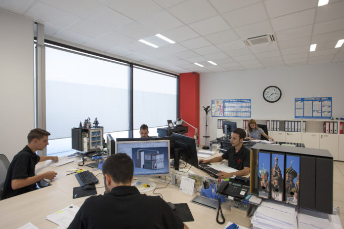 Engineering, al via anche a Napoli la campagna di assunzioni