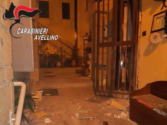 Monteforte Irpino: Esplosa bomba all'ingresso della trattoria
