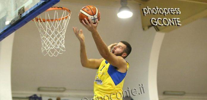 Basket: La Virtus Bava Pozzuoli vince lo scontro diretto contro l'Alfa Basket Catania