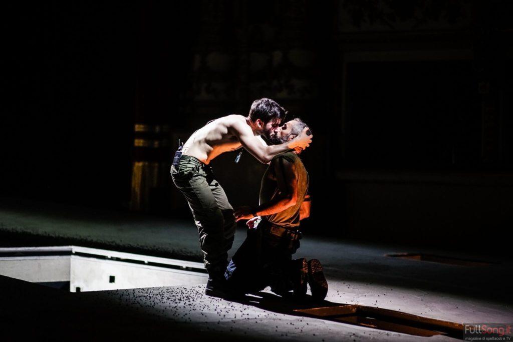 Teatro Bellini: Tito e Giulio Cesare da Shakespeare a Russo e De Rosa