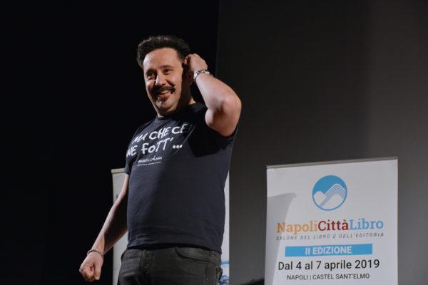 """""""La maledizione dell'acciaio"""", gli autori incontrano gli studenti di Napoli e provincia"""