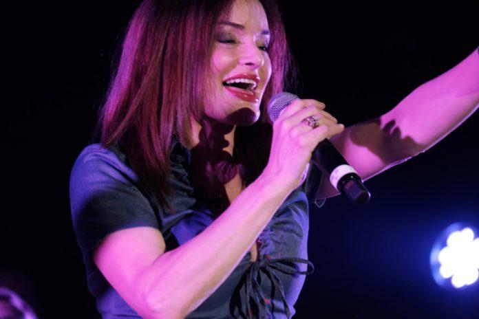 Valentina Stella in concerto al Palapartenope tra musica e solidarietà