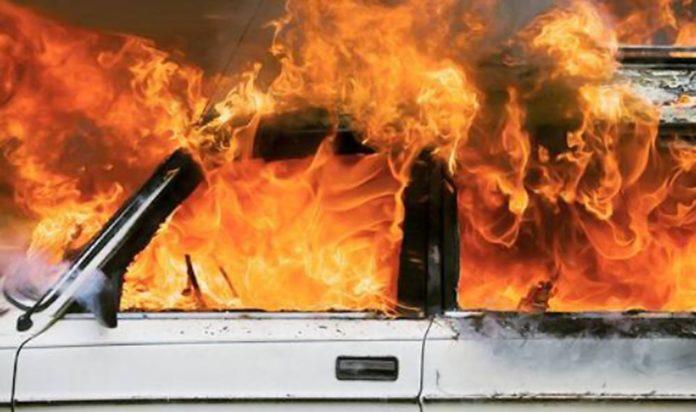 Macerata Campania, auto contro muro del cimitero: 24enne muore carbonizzato