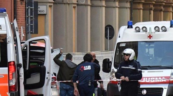 Bologna, morto bimbo di 2 anni caduto da carro di Carnevale: aperta inchiesta