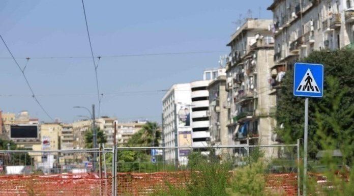 Napoli, tragedia nel cantiere di via Marina: clochard ucciso da un camion
