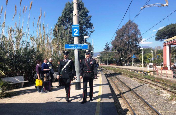 Pompei: Arrestato 18enne per rapina alla stazione 'Moregine'
