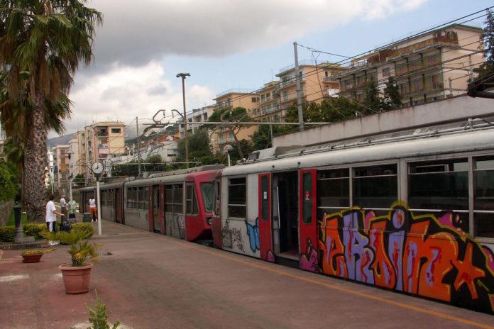 Eav, disagi per studenti e pendolari sulle linee della Circumvesuviana