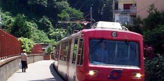 Castellammare di Stabia, violenza in Circumvesuviana: 31enne picchiata