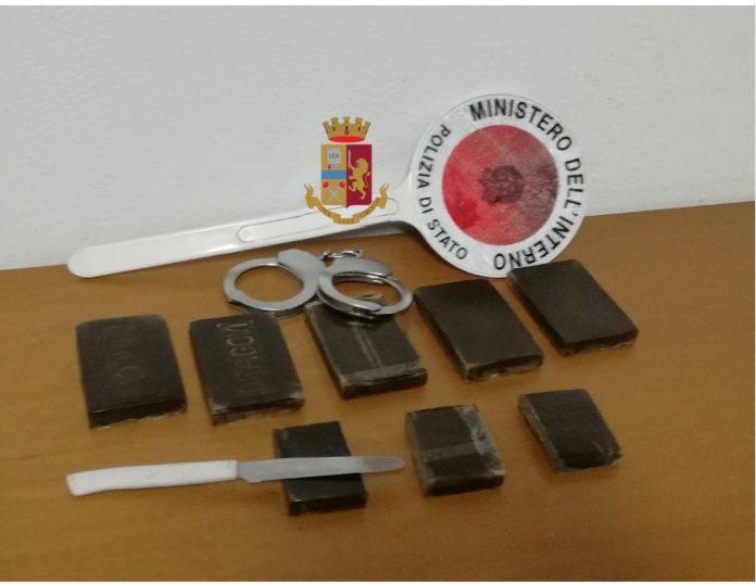 Napoli, Barra-San Giovanni: arrestato pregiudicato intento a spacciare. IL NOME