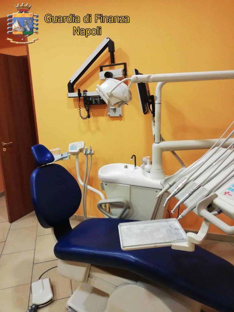 Napoli: Scoperto falso dentista nel quartiere di Capodimonte