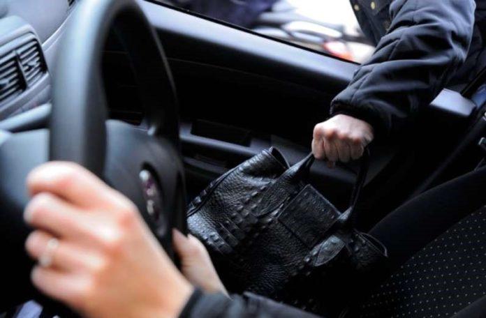 Paura a Posillipo: il rapinatore nero è tornato in azione