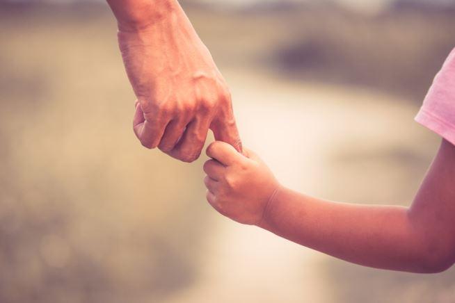Festa del Papà: ecco le frasi e i video più emozionanti