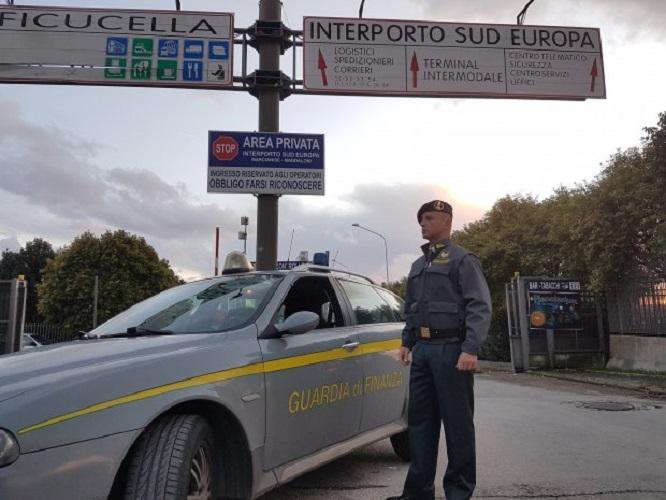Permessi illegittimi per capannoni nell'Interporto di Marcianise: 3 arresti