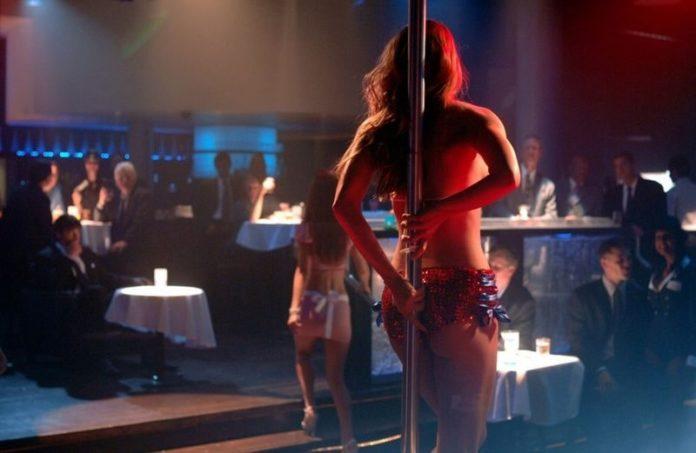 Napoli, chiude il Club 21: era l'ultimo sexy night della città partenopea