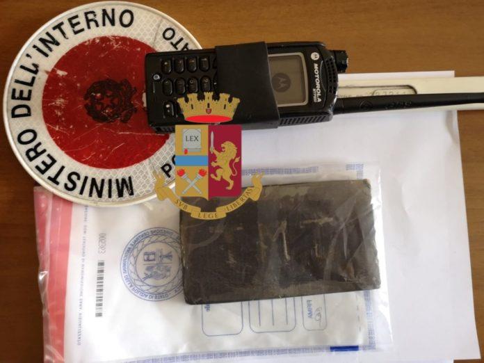 Napoli, Case Nuove: Arrestati dalla Polizia due giovani per droga