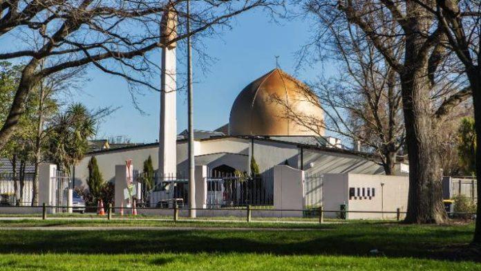 Nuova Zelanda, attacco terroristico in due moschee: sono almeno 49 i morti