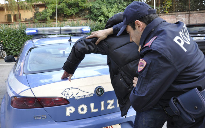 Napoli, Vomero: Arrestati due ladri di moto a piazzetta Durante