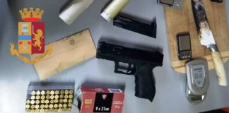Ponticelli: Arrestato 19enne, nascondeva una pistola nel box