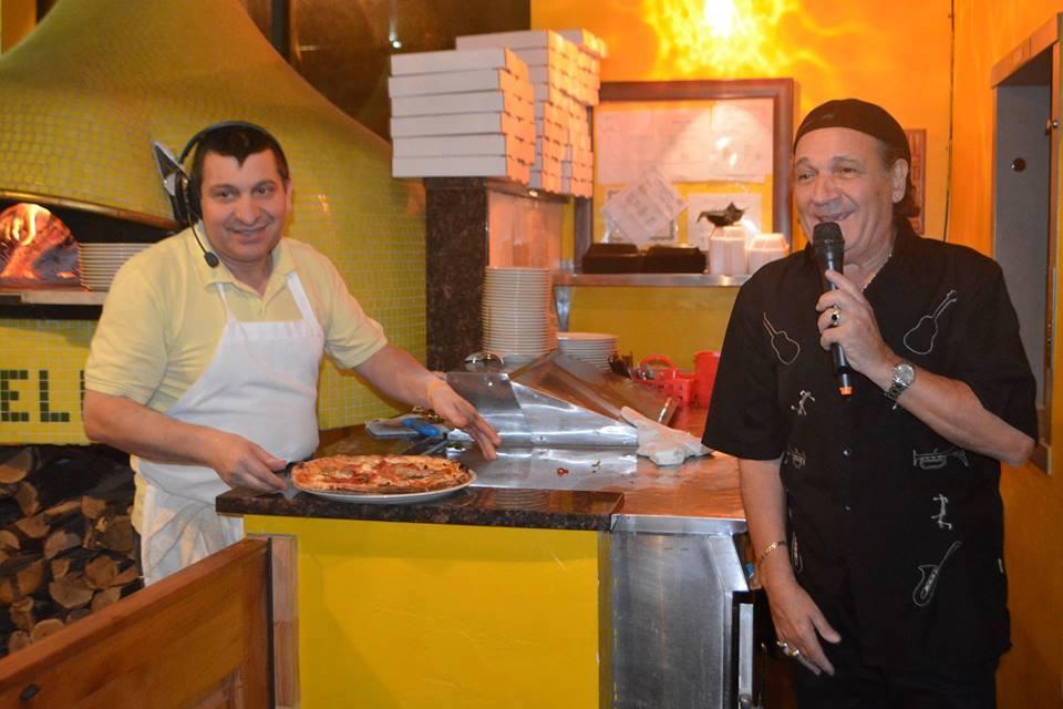 Continua la tournée americana dell'attore cantante ed ultimo Pulcinella, Ciro Giorgio
