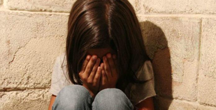 Bimba rom di 4 anni violentata a Napoli, lo zio confessa gli abusi