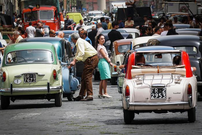 Napoli si tuffa negli anni '60 per le riprese de «L'Amica Geniale»