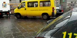 Controlli sugli scuolabus abusivi a Napoli: irregolari 10 mezzi su 15